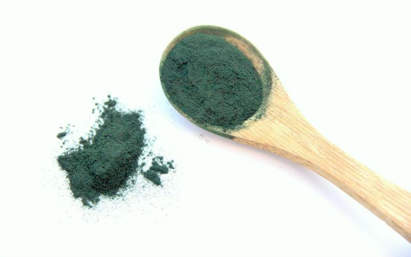 Todo sobre el alga espirulina: beneficios para la salud y cómo tomarla