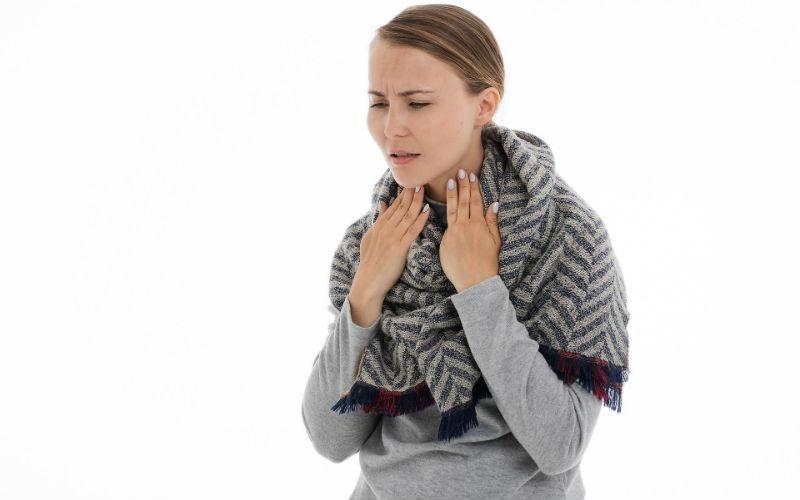 Consejos y tratamiento en caso de dolor de garganta