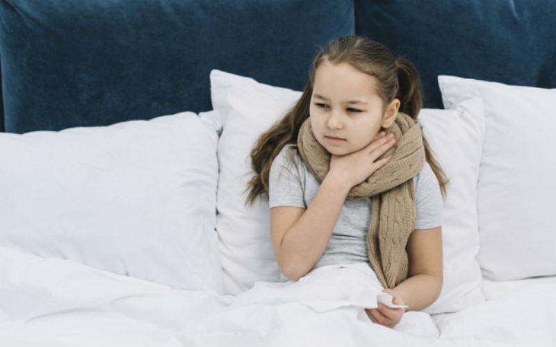 ¿Cuáles son los síntomas de la faringitis?