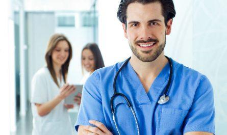 Diferencias auxiliar enfermeria enfermero
