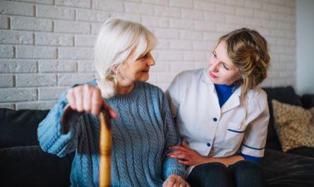 Cuidadoras de mayores a domicilio